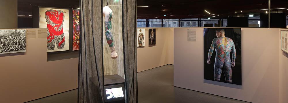 Tatoueurs, Tatoués, Musée du Quai Branly, Projectiles, Paris, 2014